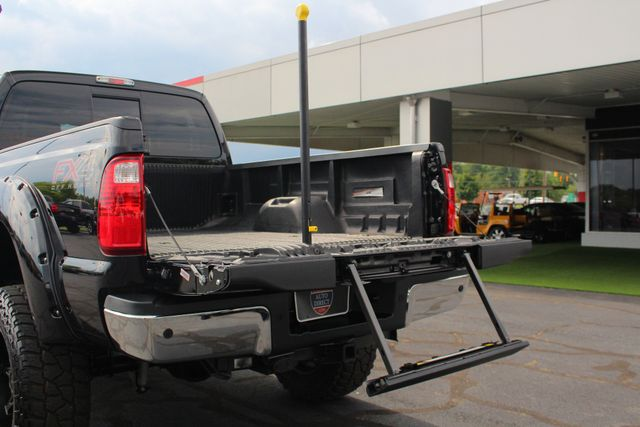 2016 Ford Super Duty F-250 Pickup LARIAT ULTIMATE EDITION Crew Cab 4x4 FX4 - LIFTED! Mooresville , NC 30