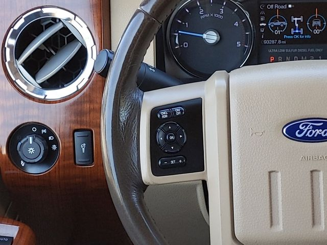 2016 Ford Super Duty F-250 Pickup King Ranch in Pleasanton, TX 78064