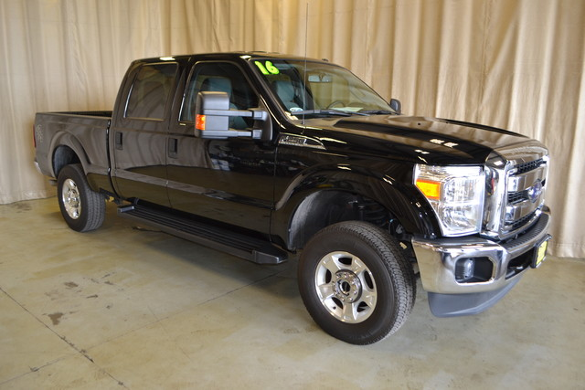 2016 ford super duty f 250 pickup xlt 13481 miles black pickup truck 8 automatic used ford f. Black Bedroom Furniture Sets. Home Design Ideas