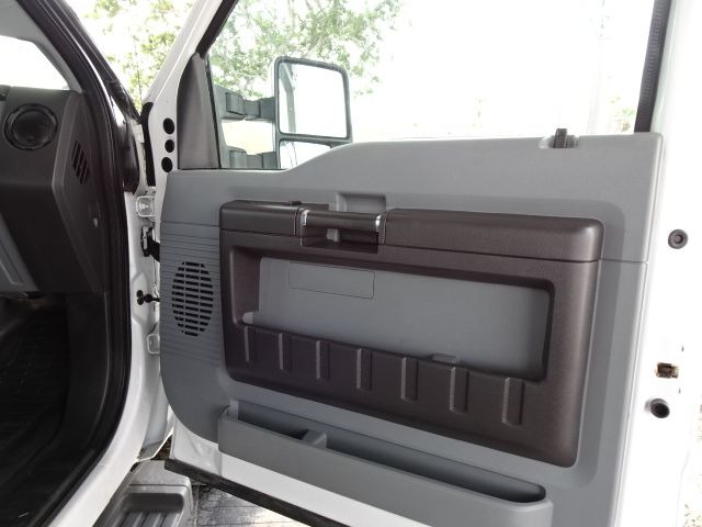 2016 Ford Super Duty F-350 DRW Chassis Cab XL 4X4 FLAT BED in Corpus Christi, TX 78412