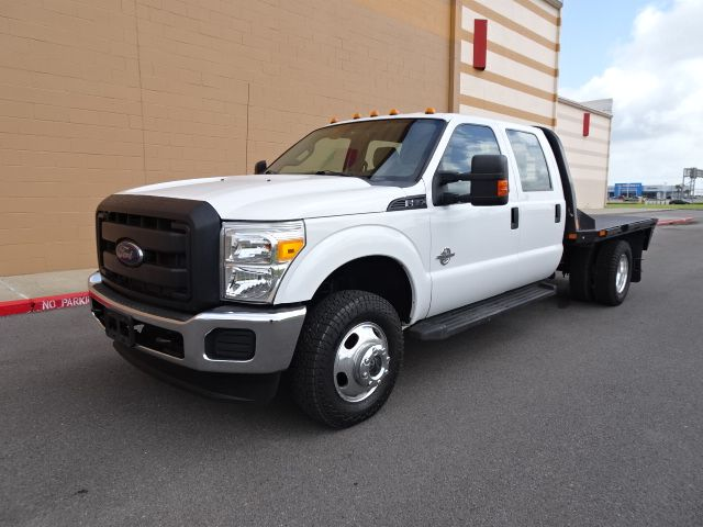 2016 Ford Super Duty F-350 DRW Chassis Cab XL 4X4 FLAT BED