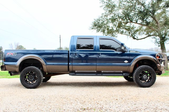 2016 Ford Super Duty F-350 SRW Pickup King Ranch Sealy, Texas 12