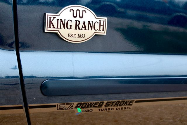 2016 Ford Super Duty F-350 SRW Pickup King Ranch Sealy, Texas 25