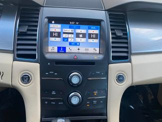 2016 Ford Taurus SEL Farmington, MN 9