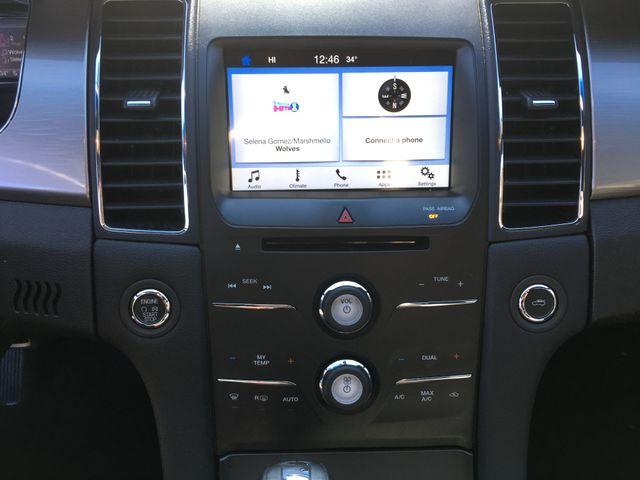 2016 Ford Taurus SEL in Gower Missouri, 64454