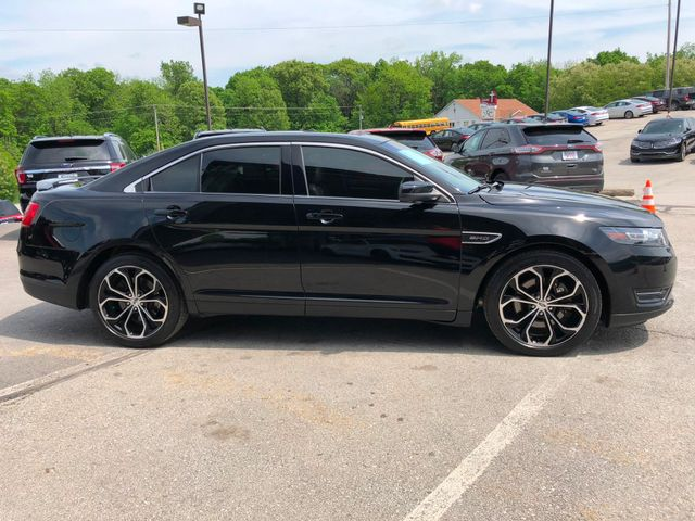 2016 Ford Taurus SHO AWD in Gower Missouri, 64454