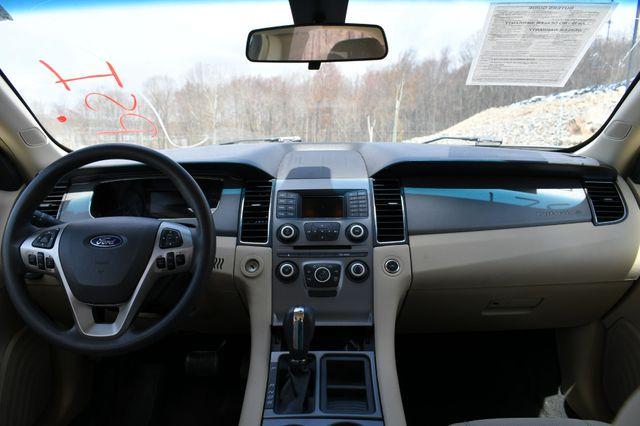 2016 Ford Taurus SE Naugatuck, Connecticut 12