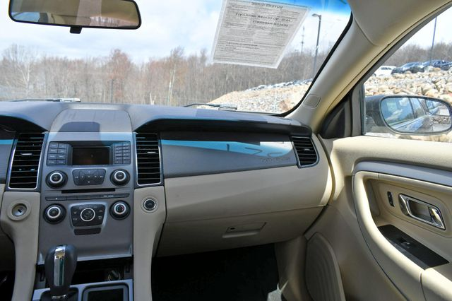 2016 Ford Taurus SE Naugatuck, Connecticut 13