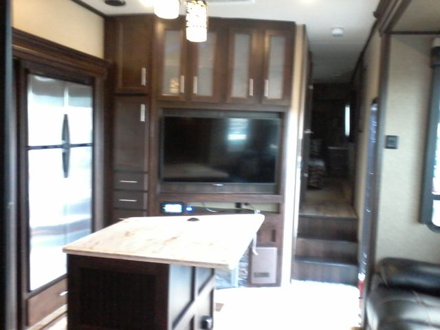 2016 Forest River XLR Thunderbolt 355 AMP 5th Wheel Boerne, Texas 14