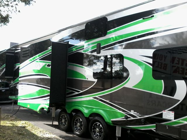 2016 Forest River XLR Thunderbolt 355 AMP 5th Wheel Boerne, Texas 3