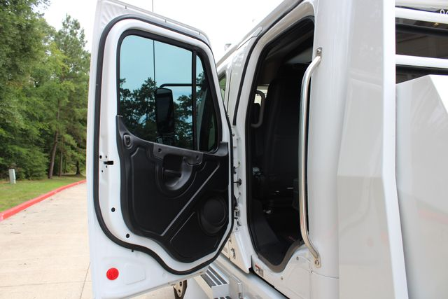 2016 Freightliner M2 106 SPORTCHASSIS CONROE, TX 32