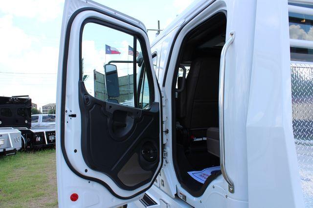 2016 Freightliner M2 106 SportChassis RHA Luxury Ranch Hauler CONROE, TX 21