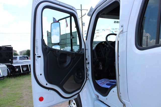 2016 Freightliner M2 106 SportChassis RHA Luxury Ranch Hauler CONROE, TX 22