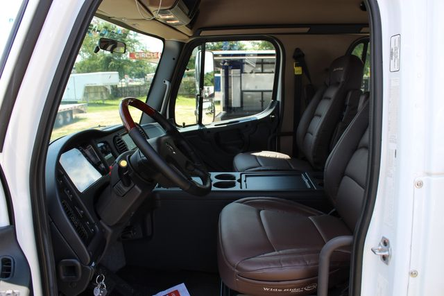 2016 Freightliner M2 106 SportChassis RHA Luxury Ranch Hauler CONROE, TX 26