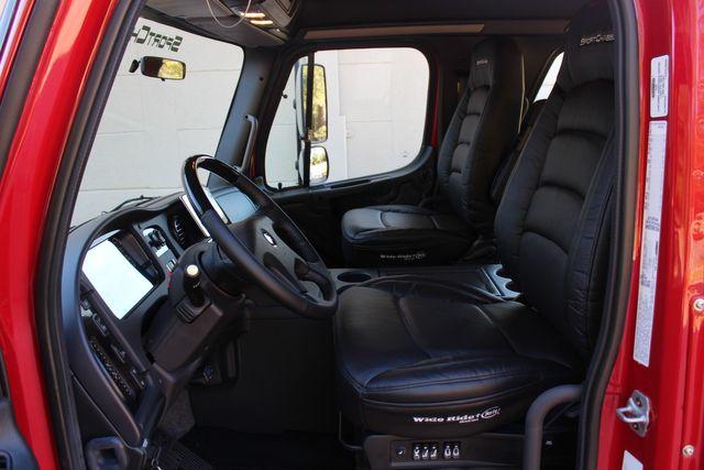 2016 Freightliner M2 106 SPORTCHASSIS RHA Luxury Ranch Hauler w/ Warranty CONROE, TX 46