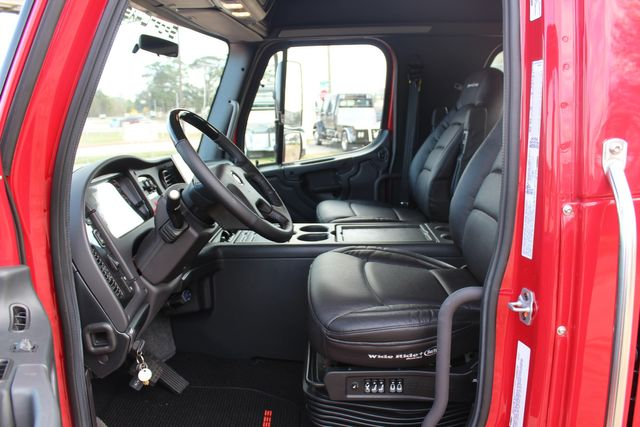 2016 Freightliner M2 106 - SportChassis RHA SportChassis OFFSHORE Edition CONROE, TX 40
