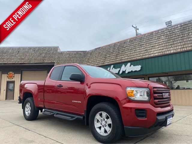 2016 GMC Canyon 4WD ONLY 13,000 Miles in Dickinson, ND 58601