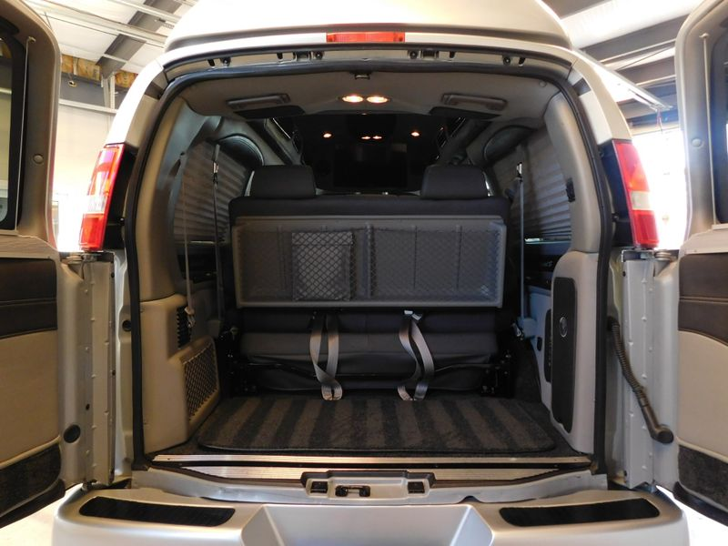 2016 GMC Savana Conversion Van Explorer Limited SE G2500  city TN  Doug Justus Auto Center Inc  in Airport Motor Mile ( Metro Knoxville ), TN