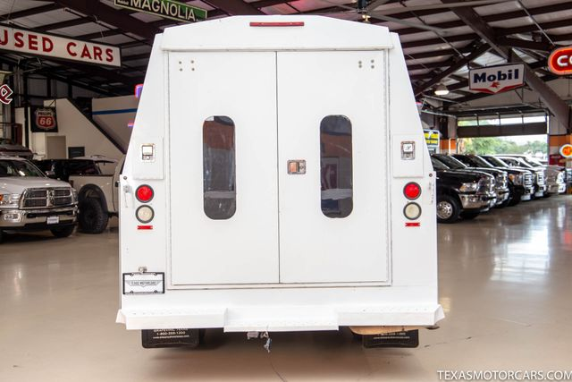 2016 GMC Savana Commercial Cutaway 6.0 v8 in Addison, Texas 75001