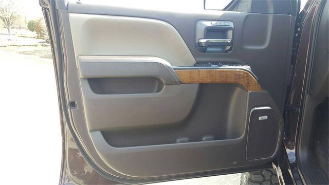 2016 GMC Sierra 1500 SLT LIFT/CUSTOM WHEELS AND TIRES in McKinney, Texas 75070