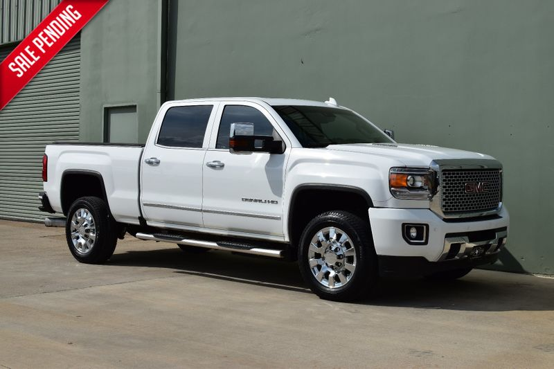 2016 GMC Sierra 2500HD Denali | Arlington, TX | Lone Star Auto Brokers, LLC