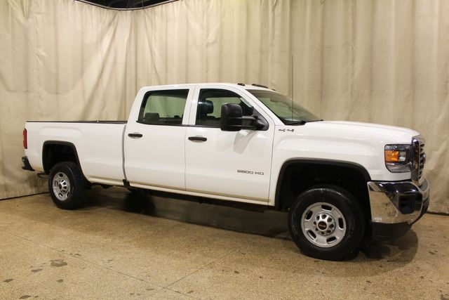 2016 GMC Sierra 2500HD Long Bed 4x4 in Roscoe, IL 61073