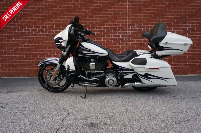 2016 Harley-Davidson CVO Street Glide FLHXSE in Loganville, Georgia 30052