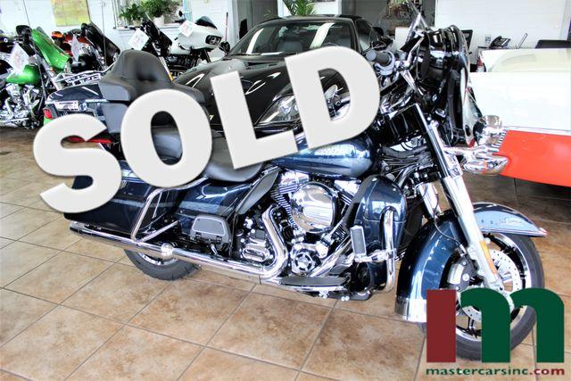 2016 Harley-Davidson Electra Glide® Ultra Limited Cosmic Blue Edition | Granite City, Illinois | MasterCars Company Inc. in Granite City Illinois