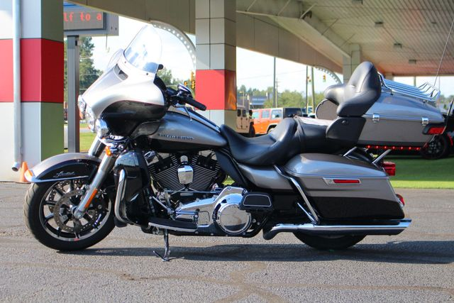 2016 Harley-Davidson Electra Glide® Ultra Limited Mooresville , NC 3