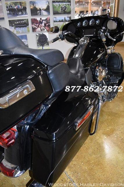 2016 Harley-Davidson ELECTRA GLIDE ULTRA LIMITED LO FLHTK ULTRA LIMITED FLHTKL Chicago, Illinois 9