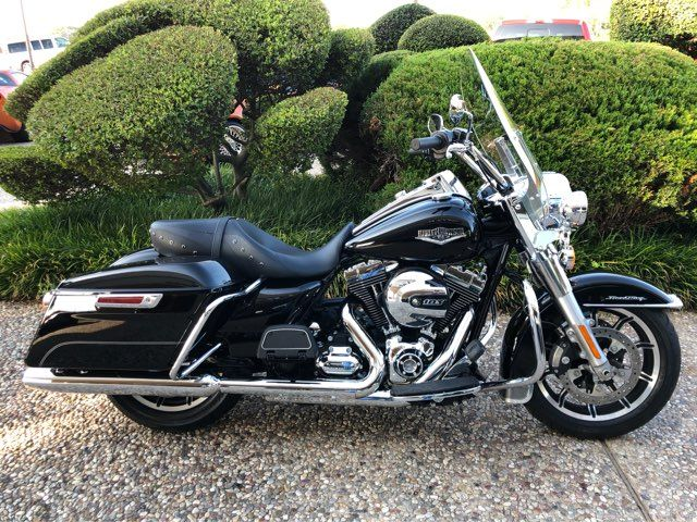 2016 Harley-Davidson FLHR Road King ** Only 409 Miles**