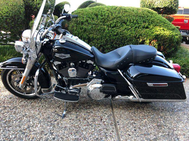 2016 Harley-Davidson FLHR Road King in McKinney, TX 75070