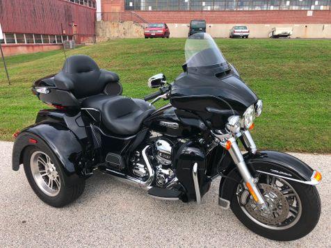 2016 Harley-Davidson FLHTCUTG Tri-Glide Ultra in Oaks