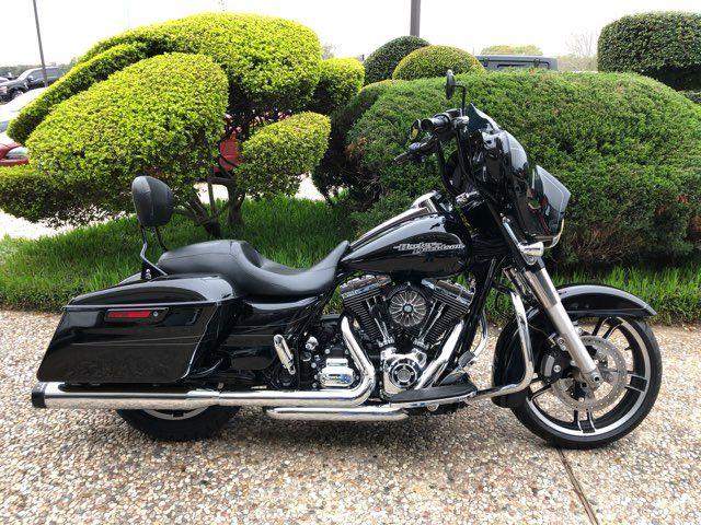 2016 Harley-Davidson FLHXS Street Glide Special in McKinney, TX 75070