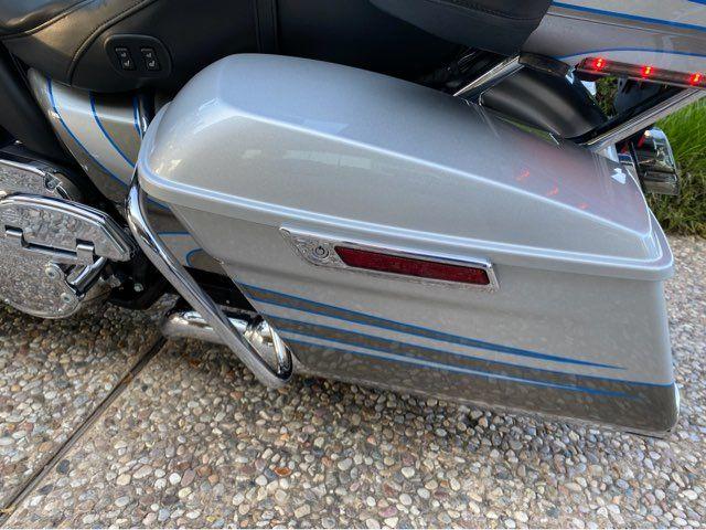 2016 Harley-Davidson FLTRUSE CVO Road Glide in McKinney, TX 75070
