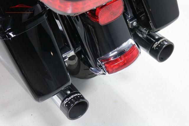 2016 Harley-Davidson Road Glide® Ultra Merrillville, Indiana 10