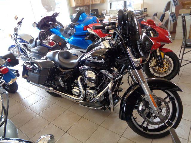 2016 Harley-Davidson Street Glide® Special in Brockport, NY 14420