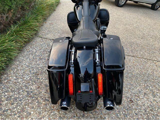 2016 Harley-Davidson Street Glide CVO in McKinney, TX 75070