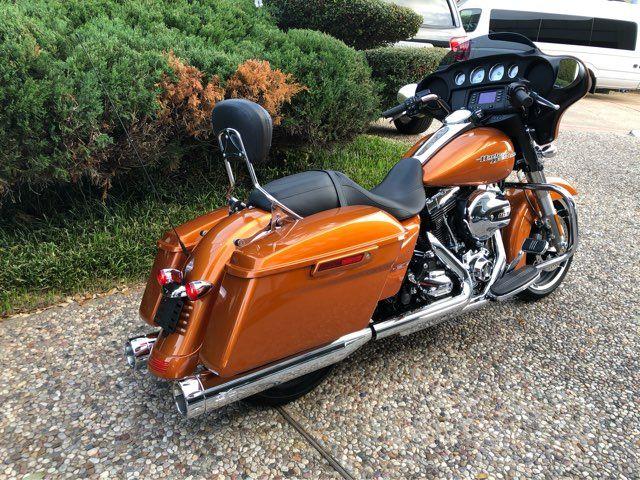 2016 Harley-Davidson Street Glide in McKinney, TX 75070