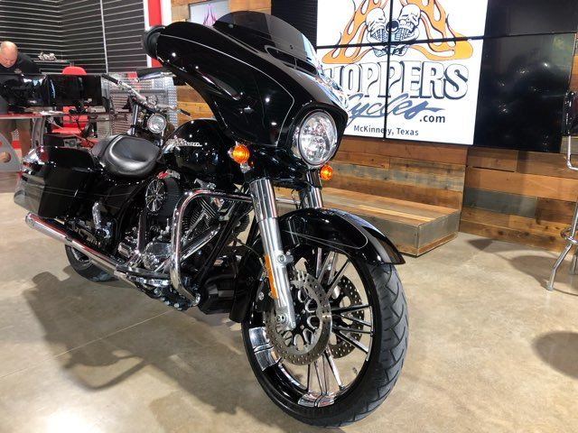 2016 Harley-Davidson Street Glide Special Special in McKinney, TX 75070