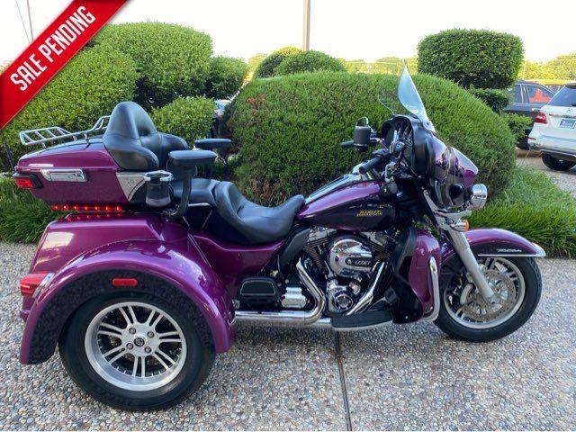 2016 Harley-Davidson Tri Glide Ultra FLHTCUTG in McKinney, TX 75070