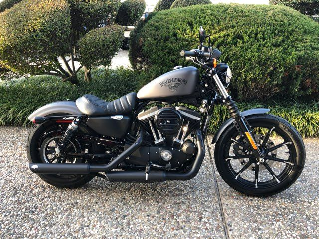2016 Harley-Davidson XL883 Iron ** Only 665 Miles**