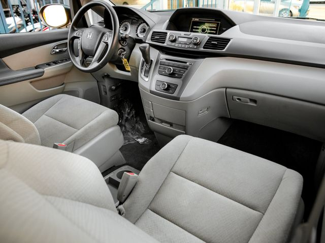 2016 Honda Odyssey LX Burbank, CA 13