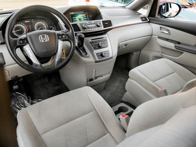 2016 Honda Odyssey LX Burbank, CA 9