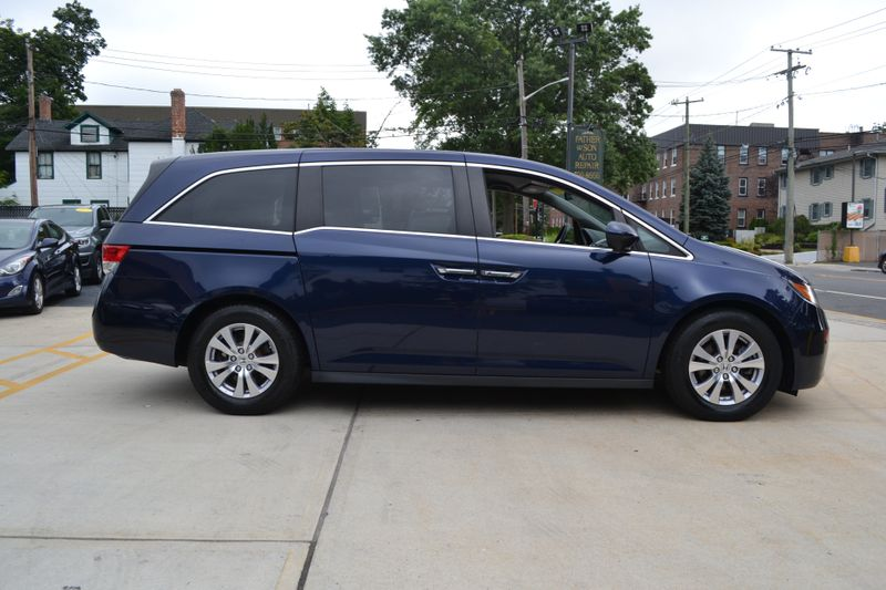 2016 Honda Odyssey SE  city New  Father  Son Auto Corp   in Lynbrook, New