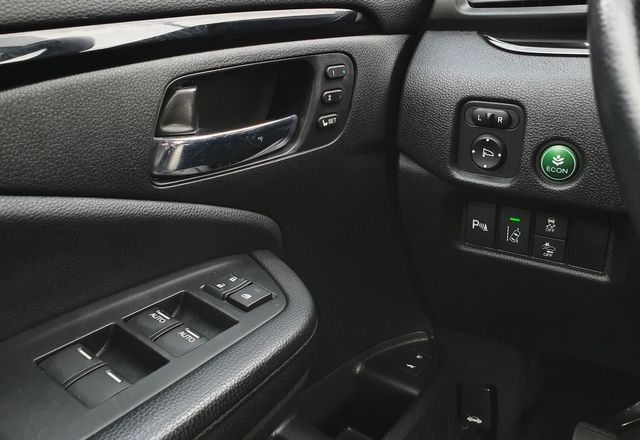 2016 Honda Pilot Elite AWD w/Leather/DVD/NAV/Auto Cruise in Louisville, TN 37777