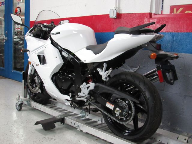 2016 Hyosung GT250R in Dania Beach , Florida 33004