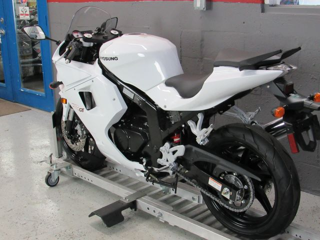 2016 Hyosung GT250R $1500 Down and your Ride in Dania Beach , Florida 33004