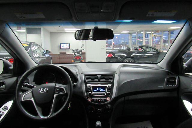 2016 Hyundai Accent 5-Door SE Chicago, Illinois 14