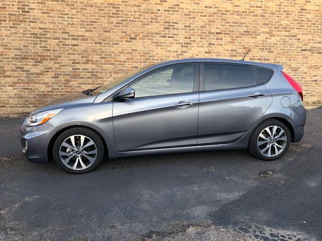 2016 Hyundai Accent 5-Door Sport